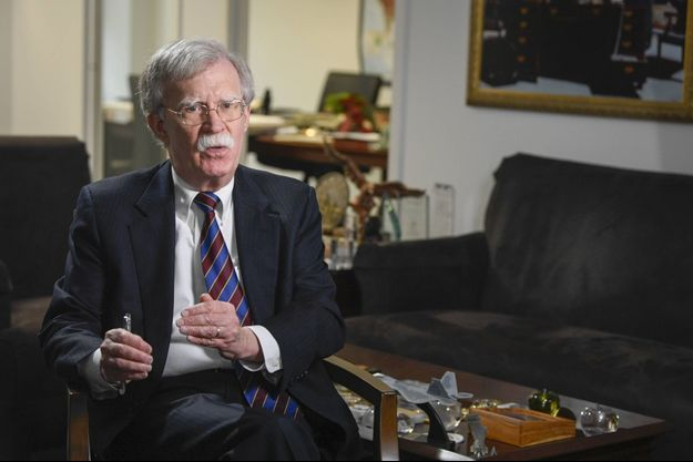 "John Bolton publie ""In the Room Where It Happened"", un réquisitoire impitoyable contre le président Trump."