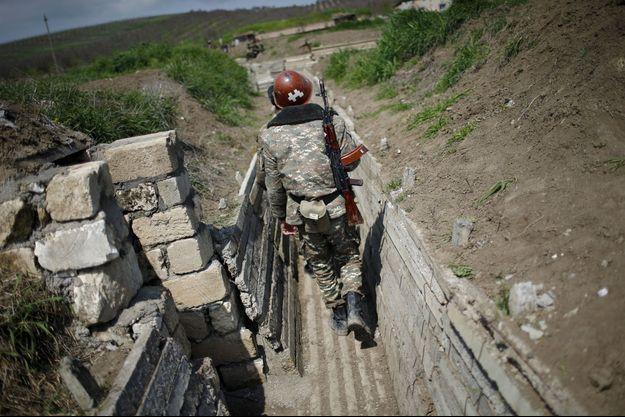 Un soldat arménien en 2016 au Haut-Karabakh. Image d'illustration.