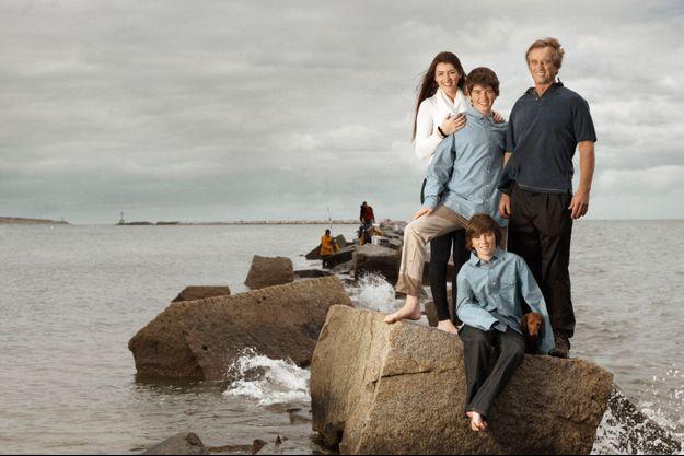 Robert Jr., un des onze enfants de Robert Kennedy, avec sa fille Kyra, 18 ans, et deux de ses fils, William, 16 ans, et Aiden, 12 ans.