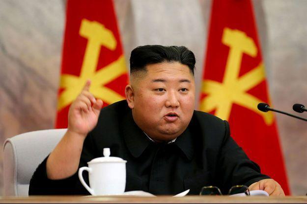 Le dictateur nord-coréen, Kim Jong Un, dans un cliché diffusé dimanche par l'agence de presse officielle de la Corée du Nord.