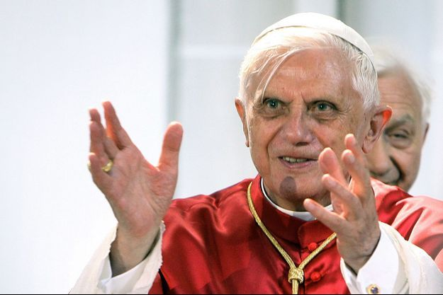 L'ancien Benoit XVI.