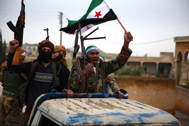 Des combattants syriens soutenus par la Turquie à Minbej, le 25 décembre 2018.