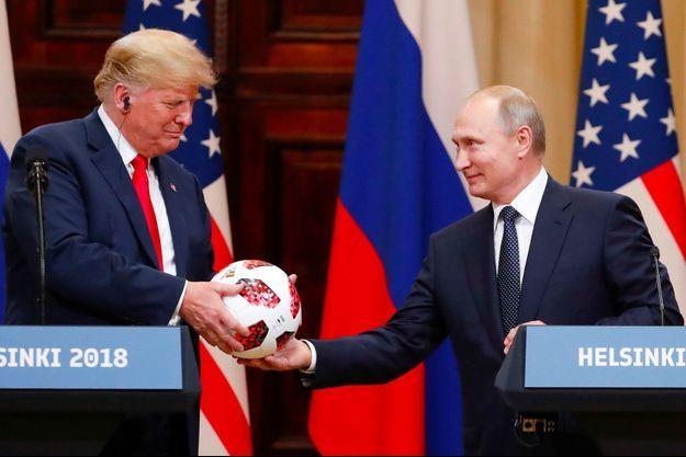 Donald Trump et Vladimir Poutine à Helsinki, lundi.