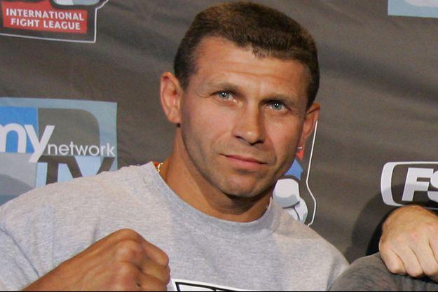 Igor Zinoviev en mai 2007, lors de la pesée pour un combat d'arts martiaux.