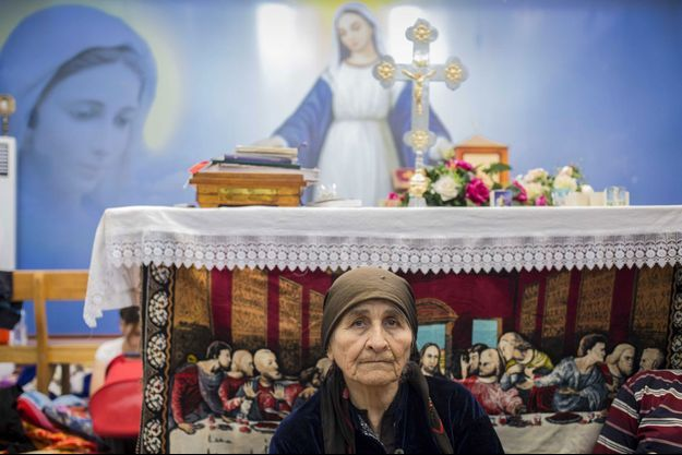 Mardi 12 août, dans l'église Mart Shmoni du quartier d'Ankawa, à Erbil. Environ 500 familles se sont réfugiées dans cette église après avoir fui Mossoul et Qaraqosh.