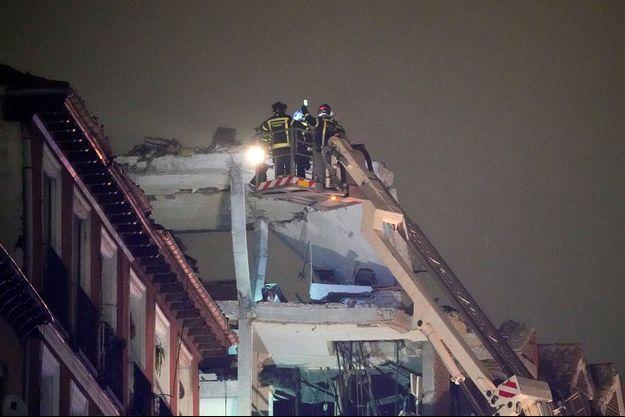 Les secours sur les lieux de l'explosion