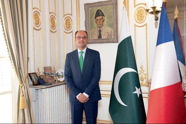 Muhammad Amjad Aziz Qazi dans son bureau à l'ambassade du Pakistan, le 10 septembre à Paris.