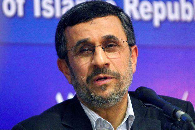 Mahmoud Ahmadinejad au Caire, en février 2013.