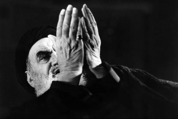 L'ayatollah Khomeiny, le 11 décembre 1978 à Neauphle-Le-Chateau.