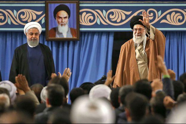 Hassan Rohani et Ali Khamenei le 6 décembre 2017 à Téhéran