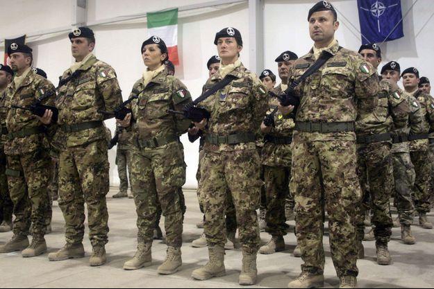 Des soldats italiens à Herat, en Afghanistan, en mars 2012.