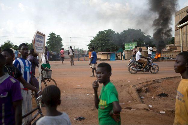 Des anti-putschistes à Ouagadougou jeudi.