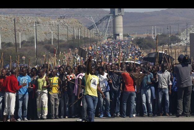 Les grévistes de la mine de Lonmin, à l'ouest de Johannesburg.