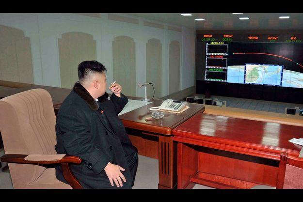 Kim Jong-Un avait observé le précédent essai de son bureau.