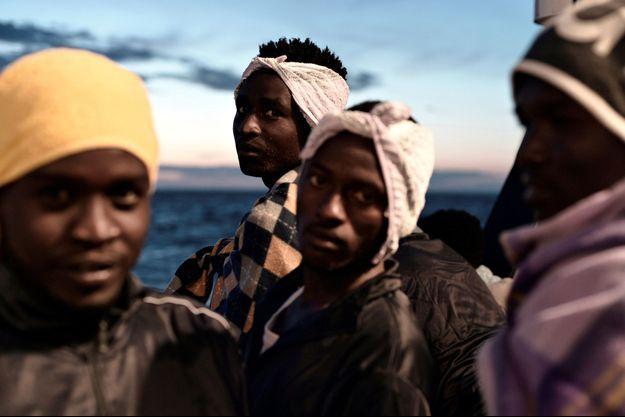 Les migrants à bord de l'Aquarius.