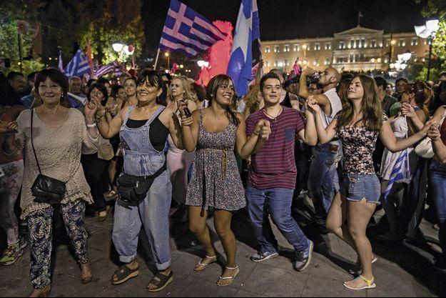 Dimanche 5 juillet, devant le Parlement grec, place Syntagma à Athènes.