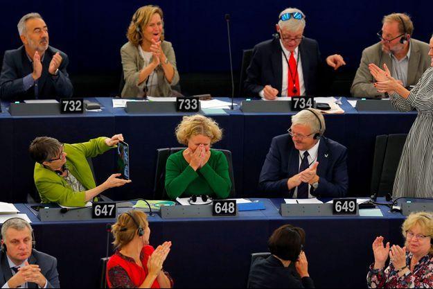 Judith Sargentini à Strasbourg après l'adoption de son rapport par le Parlement européen, mercredi.
