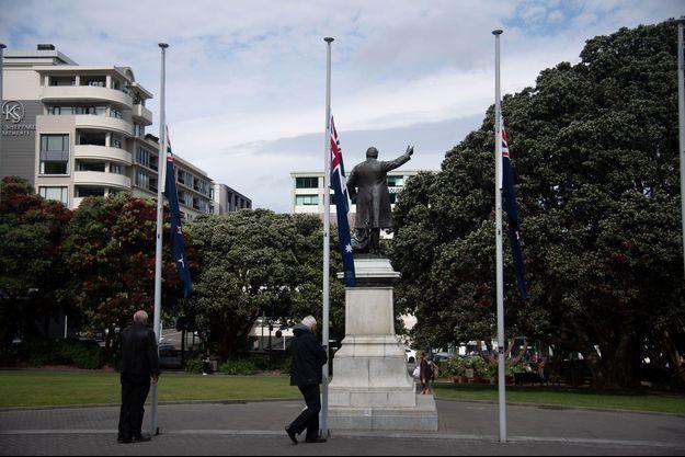 Drapeaux en berne, le 16 décembre 2019 à Wellington.
