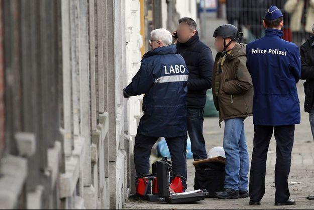 Des policiers en opération à Verviers, en janvier 2015.