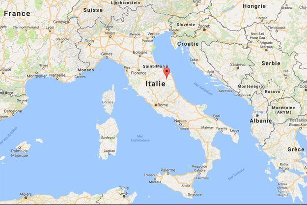 La secousse de magnitude 5,4 a été enregistrée à 9 km de profondeur dans la zone de Macerata, dans les Marches (centre).