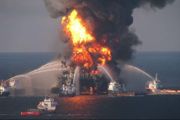 L'explosion de la plate-forme pétrolière Deepwater Horizon a coûté la vie à 11 personnes, le 20 avril 2010.