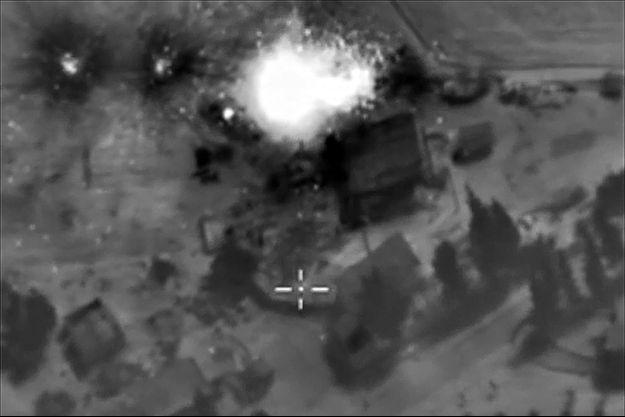 Vue aérienne des bombardements russes en Syrie