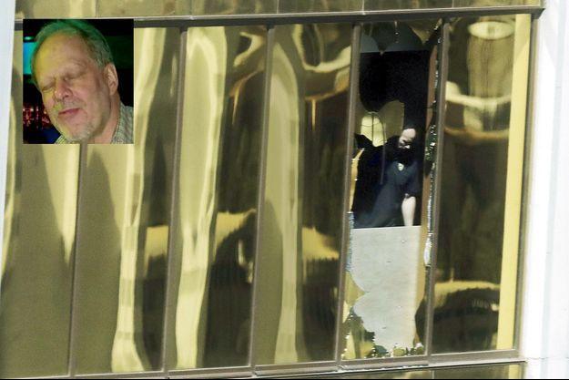 Le 3 octobre, un policier à la fenêtre du 32e étage du Mandalay Bay Resort de Las Vegas d'où le meurtrier a tiré. En médaillon, Stephen Paddock.
