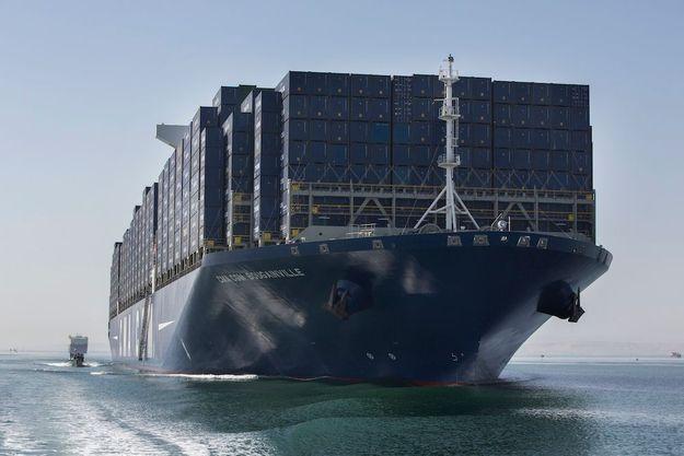 Vendredi 25 septembre, 8 h 21, à l'entrée sud du canal de Suez, étroit couloir de 165 kilomètres de long.