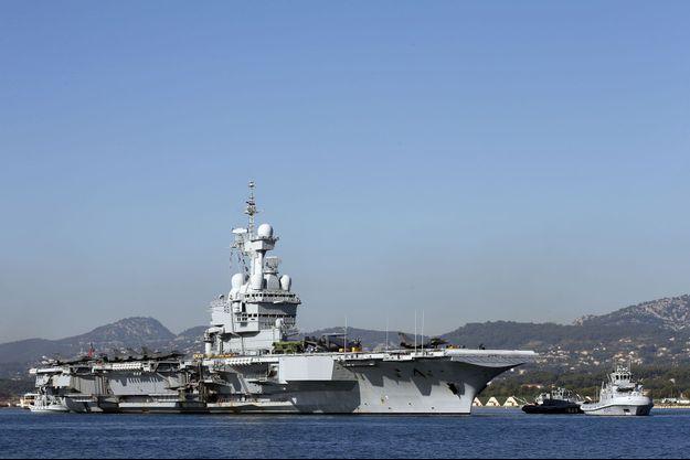 Des chasseurs français ont décollé ce lundi du porte-avions français Charles de Gaulle, en Méditerranée orientale, pour des missions au-dessus des zones contrôlées par le groupe Etat islamique (EI) en Irak et Syrie.