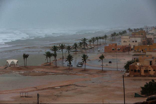 Pendant le passage du cyclone Mekunu à Oman, le 25 mai 2018.