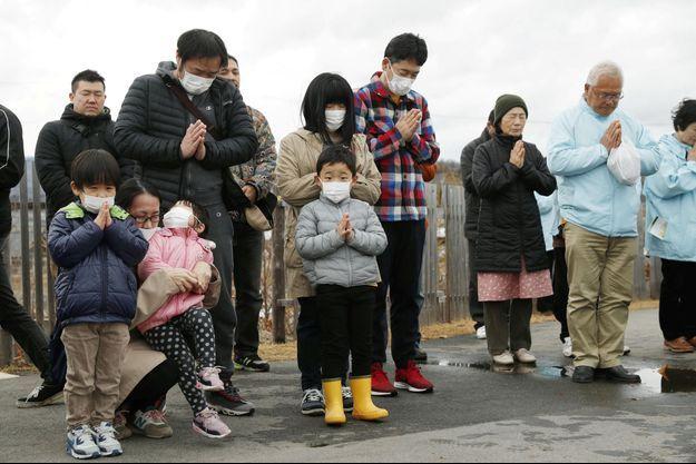 Une cérémonie du souvenir à Iwaki, au Japon.