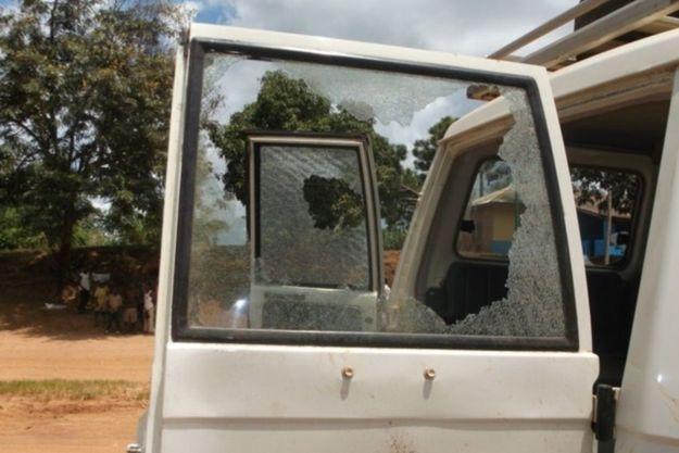 Les voitures du cortège ont été prises d'assaut avant le massacre.