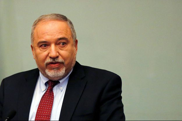 Avigdor Lieberman lors de la conférence de presse annonçant sa démission.