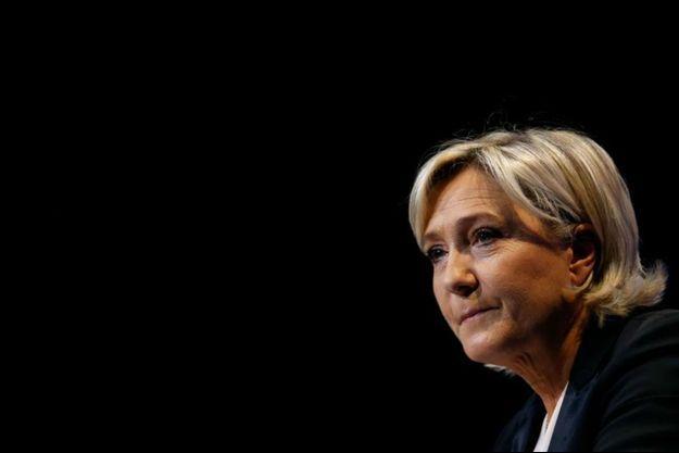 Marine Le Pen, candidate FN à l'élection présidentielle française de 2017 en meeting à Saint-Herblain, le 26 février 2017.