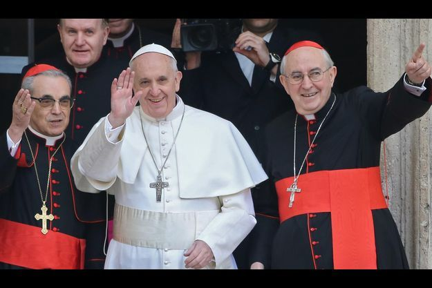 Le pape François sur les marches de la basilique Santa Maria Maggiore jeudi matin.