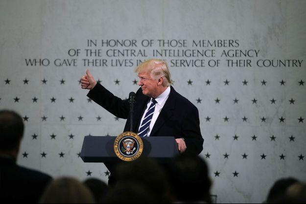Donald Trump au quartier général de la CIA, à Langley, en Virginie, samedi.