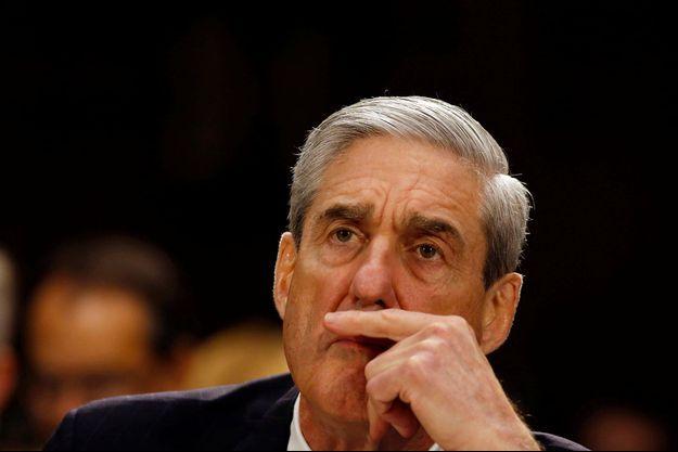 Robert Mueller, directeur du FBI à l'époque, au Sénat en 2013.