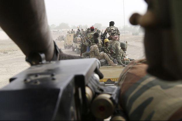 Sur le front avec l'armée avec tchadienne.