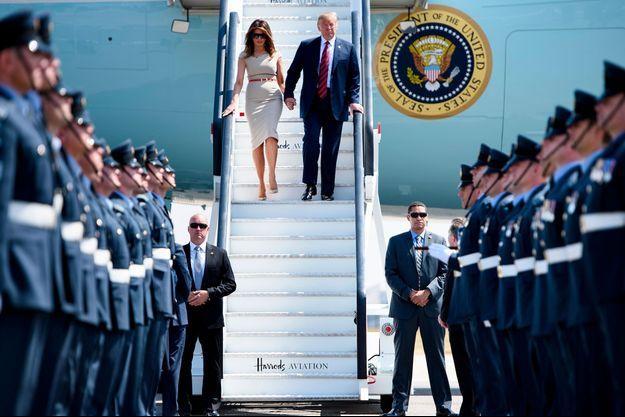 Melania Trump et Donald Trump à l'arrivée d'Air Force Force à Stansted, en Angleterre, le 12 juillet.