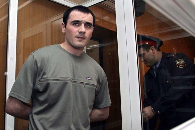 Nur-Pashi Kulaev, le seul terroriste survivant du groupe qui avait attaqué l'école de Beslan, lors de son procès en mai 2006.