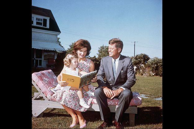 Les Kennedy à Hyannis Port avec Caroline.