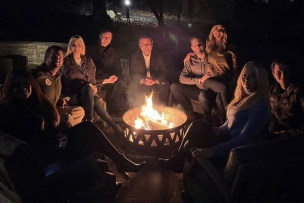 Donald Trump Jr et Kimberly Guilfoyle, Ivanka Trump et Jared Kushner, Dan Scavino, Eric Trump et sa femme Lara, Tiffany Trump et Michael Boulos