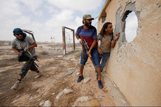 Les forces pro-GNA combattant à Syrte le 15 juillet 2016.