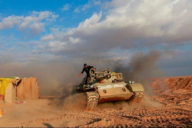 Une milice soutenue par l'Iran à al-Qaim, à la frontière irako-syrienne, en décembre 2018.