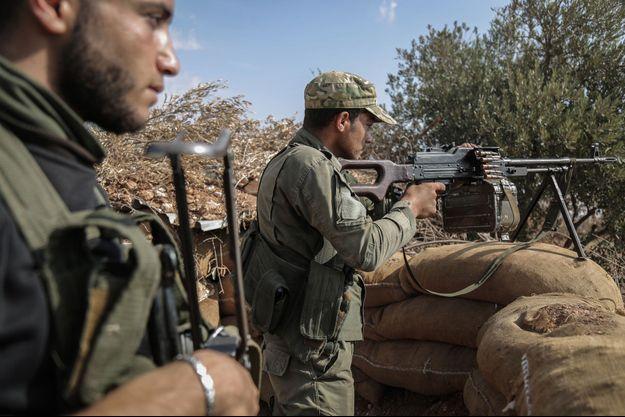 Combattants du Front national de libération en octobre 2018.