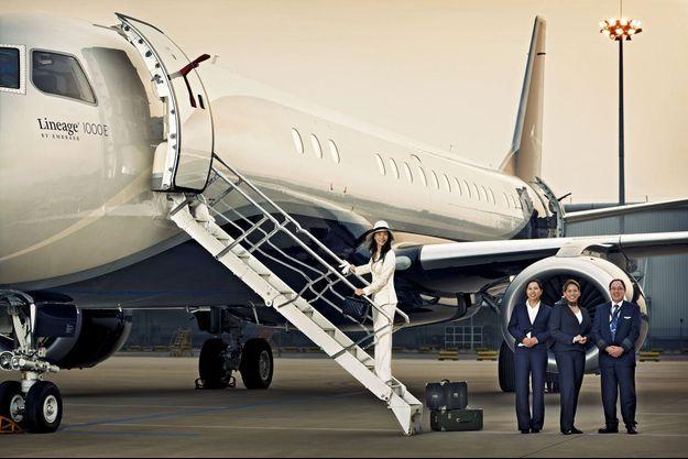 Sur le tarmac d'un aéroport privé de Pékin. P-DG d'une filiale d'un des plus grands groupes d'énergie chinois, la China Guodian Corporation, Amy Luan embarque a destinatino de Shanghai pour les affaires.