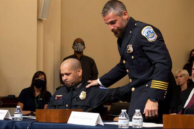 Aquilino Gonell et Michael Fanone, deux policiers du Capitole, ont témoigné devant les élus, le 27 juillet 2021.