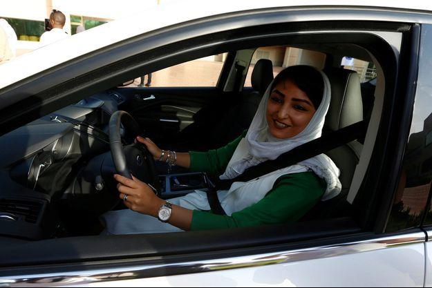 Une femme apprend à conduire, à Jeddah en mars dernier.