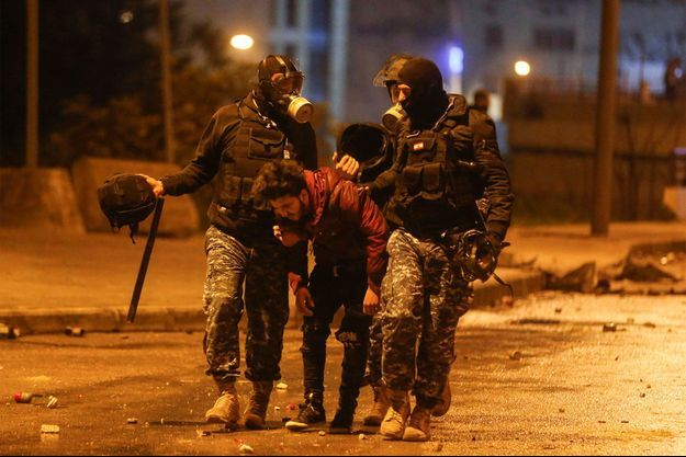 Près de 400 personnes ont été blessées au Liban dans les heurts de samedi soir.