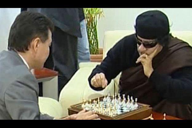 Mouammar Kadhafi lors de sa dernière apparition à la télévision libyenne.